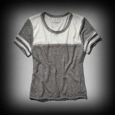 アバクロ レディース シャツ Abercrombie&Fitch Macey Tee ニット Tシャツ ★ヴィンテージウォッシュがコーディネイトしやすくて個性的! ★肌ざわり着心地バツグンのシャツ!