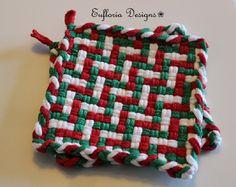 Potholder Loom, Potholder Patterns, Loom Patterns, Inkle Weaving, Hand Weaving, Christmas Kitchen, Christmas Décor, Holiday, Weaving Textiles