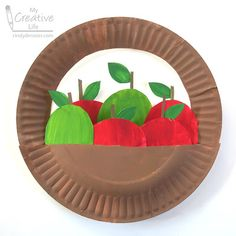 Fruit Crafts, Edible Crafts, Food Crafts, Preschool Crafts, Fruits And Vegetables Pictures, Vegetable Pictures, Paper Plate Basket, Paper Plates, Apple Theme Classroom