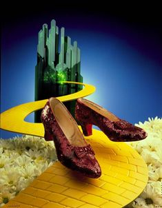 849744bf3663 RETRO KIMMER S BLOG  THE MYSTERIOUS RUBY SLIPPERS OF OZ Movie Props