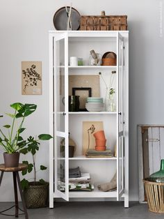 1000 images about vitrina on pinterest hemnes ikea and stockholm. Black Bedroom Furniture Sets. Home Design Ideas