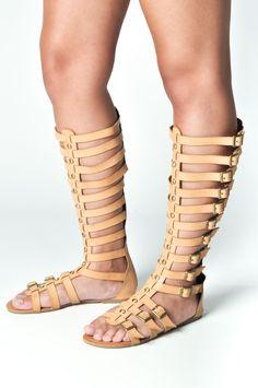 Tendencia. Sandalias romanas altas. ¡Preciosas! // Trend. High Roman sandals. Beautiful!  www.tapoa.es  Tapoa verano 2015