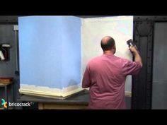 Cubrir gotelé y otras superficies con relieve (BricocrackTV) - YouTube
