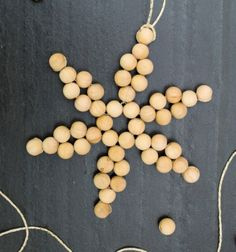 DIY Easy scandinavian wooden bead snowflake ornament // Egyszerű skandináv fa golyó hópehely (gyöngyfűzés minta) // Mindy - craft tutorial collection // #crafts #DIY #craftTutorial #tutorial #Woodworking #Barkácsolás #Barkácsötletek