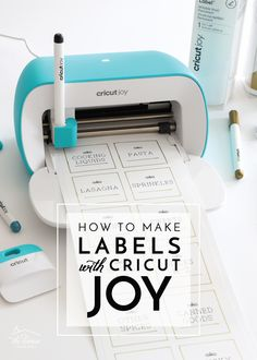 cricut crafts Learn how to make labels with Cricut Joy! This tutorial covers three easy methods including how to use the new Cricut Joy Smart Labels! Cricut Ideas, Cricut Tutorials, How To Make Stickers, How To Make Labels, How To Make Stuff, Diy Things To Make, Craft Things, Diy Vinyl Projects, Circuit Projects