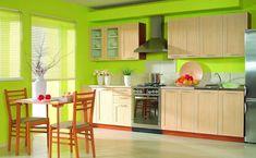 Hochwertig ... Wand Streichen Ideen Küche. Ein Tisch Aus Holz Und Zwei Braune Stühle  Aus Holz, Eine Küche Mit Grünen Wänden