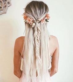 美しい@emilyrosehannon#hair #hairinspo #hairspiration #boho #bohemian #bohostyle #gypsystyle #indie #hippie #inspiration #longhair #freespirit #gypsysoul #fashionblogger…
