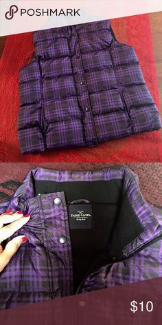 ☂️☃️ Purple Plaid Vest ! FADED GLORY Puffer vest. PERFECT condition! ✳️NWOT • Color: Royal Purple & Black Plaid • Size: L (12-14) • 100% Polyester • Zips and buttons • Two front, open pockets • Perfect for a FALL/ WINTER outfit!! Faded Glory Jackets & Coats Vests