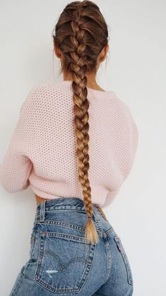 Dip Dye Blonde Brunette Long French Braid Plait Hair Style Hair Inspiration Hair Trends Hair Accessory Pink Wool Crop Sweater And Blue Denim Jeans # french Braids blonde Plaits Hairstyles, My Hairstyle, Pretty Hairstyles, Hairstyles 2018, Coco Chanel Mode, Medium Hair Styles, Curly Hair Styles, Dipped Hair, Natural Hair Styles For Black Women