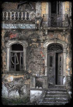 Abandoned beauty by Rui Almeida.