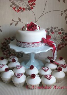 Valentine's Day Cake #cupcake #cupcakes #party #desserts #treats #sweets #theme #holiday