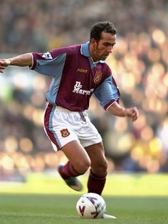 Paolo Di Canio of West Ham in First Football, Best Football Players, Retro Football, World Football, Football Season, West Ham Players, West Ham United Fc, The Legend Of Heroes, Fc B