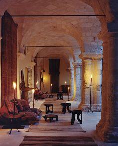 Simon Watson / Feature Stories / Lord McAlpine Puglia W Italian Farmhouse, Italian Home, Italian Style, Ile Saint Louis, Old Cottage, Puglia Italy, Brick And Stone, Exposed Brick, Santa Maria
