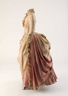 1886, unknown country Silk day dress with lace trimmings Fashion Museum Bath