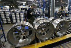 Indústria cresce 3,7% em 5 meses; expansão em julho é de 0,1% - http://po.st/1ZnKul  #Empresas - #IBGE, #Indústria, #Retração