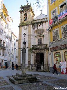 Discover the world through photos. Europe, Azores, Spain And Portugal, Kirchen, Homeland, Cool Places To Visit, Portuguese, Places Ive Been, Beautiful Places