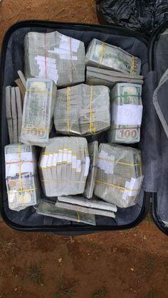 Cash Money, Mo Money, How To Get Money, Money Images, Money Pictures, Money Girl, Money Generator, Money On My Mind, Dollar Money