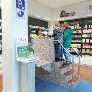Kinder-Handverkaufstisch mit Treppe in Burg-Optik Ladder, Design, Stairway, Projects, Ladders