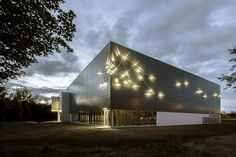 Gallery of Lebourgneuf Community Center / CCM2 architectes - 8