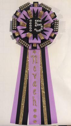 Diy Birthday Ribbon Pin, Birthday Badge, Birthday Pins, 16th Birthday, Birthday Ideas, Birthday Parties, Diy Ribbon, Ribbon Crafts, Homecoming Mums