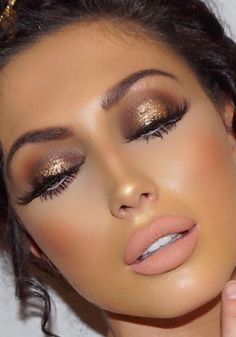 Women is close to make up. They crazily love to do make up since it adds attractiveness of the whole … Flawless Makeup, Gorgeous Makeup, Pretty Makeup, Love Makeup, Makeup Inspo, Makeup Inspiration, Makeup Ideas, Sultry Makeup, Tan Skin Makeup
