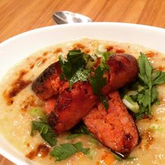 #soup #homemade #chezshin #compfood #chorizo #panchetta #yummy #colddays #pearlbarley #vienna #foodporn #suppe #graupen #nomnom Chorizo, Chicken Wings, Meat, Vienna, Instagram Posts, Soup, Homemade, Home Made, Soups