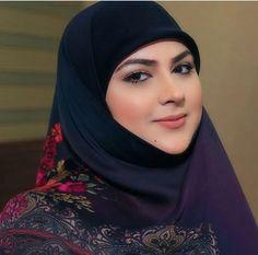 Beautiful Iranian Women, Beautiful Hijab, Modern Hijab Fashion, Arab Fashion, Fashion Beauty, Arab Girls Hijab, Muslim Girls, Hijabi Girl, Girl Hijab