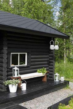 Log Homes Exterior, Mobile Home Exteriors, Modern Log Cabins, Sauna Design, Log Cabin Homes, Patio, Exterior Colors, Cozy House, House Painting