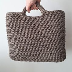 Crochet by Daphne: Crazy bag - Haken Loom Knitting, Knit Crochet, Crochet Bags, Straw Bag, Quilts, Tote Bag, Creative, Blog, Trapillo
