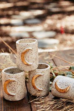 Moon Mugs by Elizabeth Di Prinzio on Etsy Ceramic Pottery, Ceramic Art, Slab Pottery, Ceramic Bowls, Stoneware, Coffee Cups, Tea Cups, Keramik Design, Kitchenware