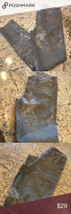Guess Brittney Skinny Ankle Coated Jeans Military green with very settled silver floral motifs. Like New. Guess Jeans Skinny