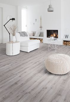Select & Transform, vertrouwd comfort in vernieuwd design - Interieur Inspiratie Home And Living, Hall Flooring, Home, Interior Design Living Room, Interior, Hall Decor, House Flooring, Luxury Vinyl Tile, Living Room Designs