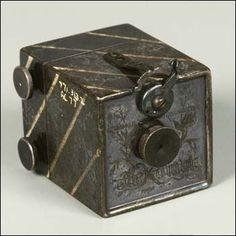 Antique Cameras, Old Cameras, Vintage Cameras, Photography Camera, Vintage Photography, Photography Business, Miniature Camera, Kinds Of Camera, Photo Lens