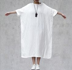 White Oversized Kaftan Dress Bat Wing Sleeve by Jessieclothing Sewing Clothes, Diy Clothes, Clothes For Women, Simple Dresses, Casual Dresses, Fashion Dresses, Linen Dresses, Cotton Dresses, Mode Kimono