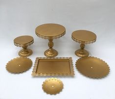 Cake Stands, Different Cakes, Dessert Table, Place Card Holders, Celebration Cakes, Desserts, Tailgate Desserts, Bar Cart, Deserts