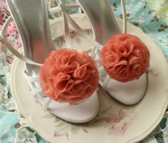 3. Handmade - Taffeta shoe clips to compliment the bridesmaid dresses #modcloth #wedding