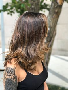 Balayage Ombre Hair Color Ideal For You – Page 10 Deep Brown Hair, Purple Brown Hair, Brown Hair Colors, Brown Blonde, Beautiful Hair Color, Cool Hair Color, Medium Hair Cuts, Medium Hair Styles, Balayage Hair