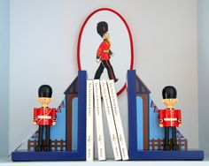 Toy Soldiers Bookends- great for a kid's room <-- or mine