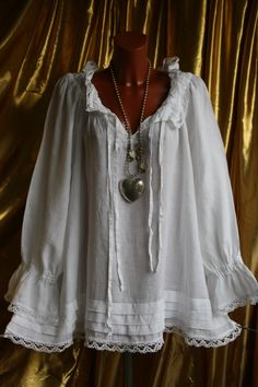 love this peasant blouse Pretty Outfits, Beautiful Outfits, Boho Fashion, Fashion Outfits, Womens Fashion, Steampunk Vetements, Mode Hippie, Peasant Blouse, Mode Style