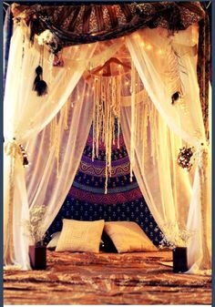 everything is on point. this style is so inviting and comforting. I'm redoing my room like this.