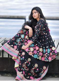 Punjabi Suits Designer Boutique, Indian Designer Outfits, Designer Dresses, Dress Indian Style, Indian Dresses, Indian Outfits, Indian Wear, Lehnga Dress, Punjabi Dress