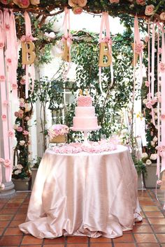 #baby-shower, #tablecloth, #party-decor  Photography: Melody Melikian Photography - www.melodymelikianphotoblog.com  Read More: http://www.stylemepretty.com/living/2014/03/31/sparkly-pink-baby-shower/
