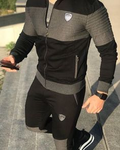 Image may contain: one or more people and people standing Mens Jogger Pants, Sport Pants, Kurta Pajama Men, Mens Fashion Blazer, Casual Wear For Men, Mens Sweatshirts, Latest Fashion Clothes, Sport Outfits, Menswear