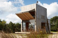 timber hut on sleds by crosson clarke carnachan architects in new zealand