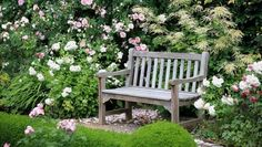 Here's how to create the charming English-style garden of your dreams. #GardenDesign