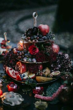 Wedding in October- 69 examples of table decorations in autumn colors - table decoration wedding marry in autumn wedding in october taste Informations About Hochzeit im Okt - Table Decoration Wedding, Decoration Evenementielle, Table Decorations, Gothic Wedding Decorations, Wedding Centerpieces, October Wedding, Autumn Wedding, Wedding Day, Burgundy Wedding