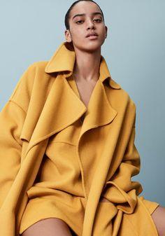Barbara Bui Resort 2017 Fashion Show Collection Fashion Week, Fashion 2017, Look Fashion, Winter Fashion, Fashion Show, Fashion Design, Vogue, Resort 2017, Yellow Fashion