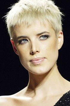 Agyness Deyn - Album du fan-club