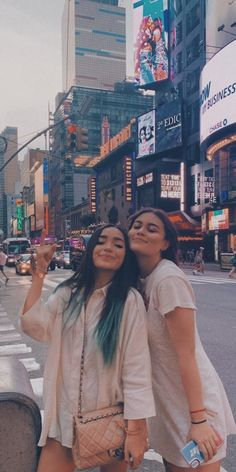 Cute Lesbian Couples, Lesbian Love, Cute Relationship Goals, Cute Relationships, Love Deeply, My Forever, Couple Goals, Lgbt, Famous People