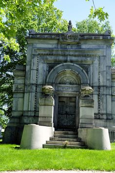 Milwaukee Area Parks: Forest Home Cemetery Tours